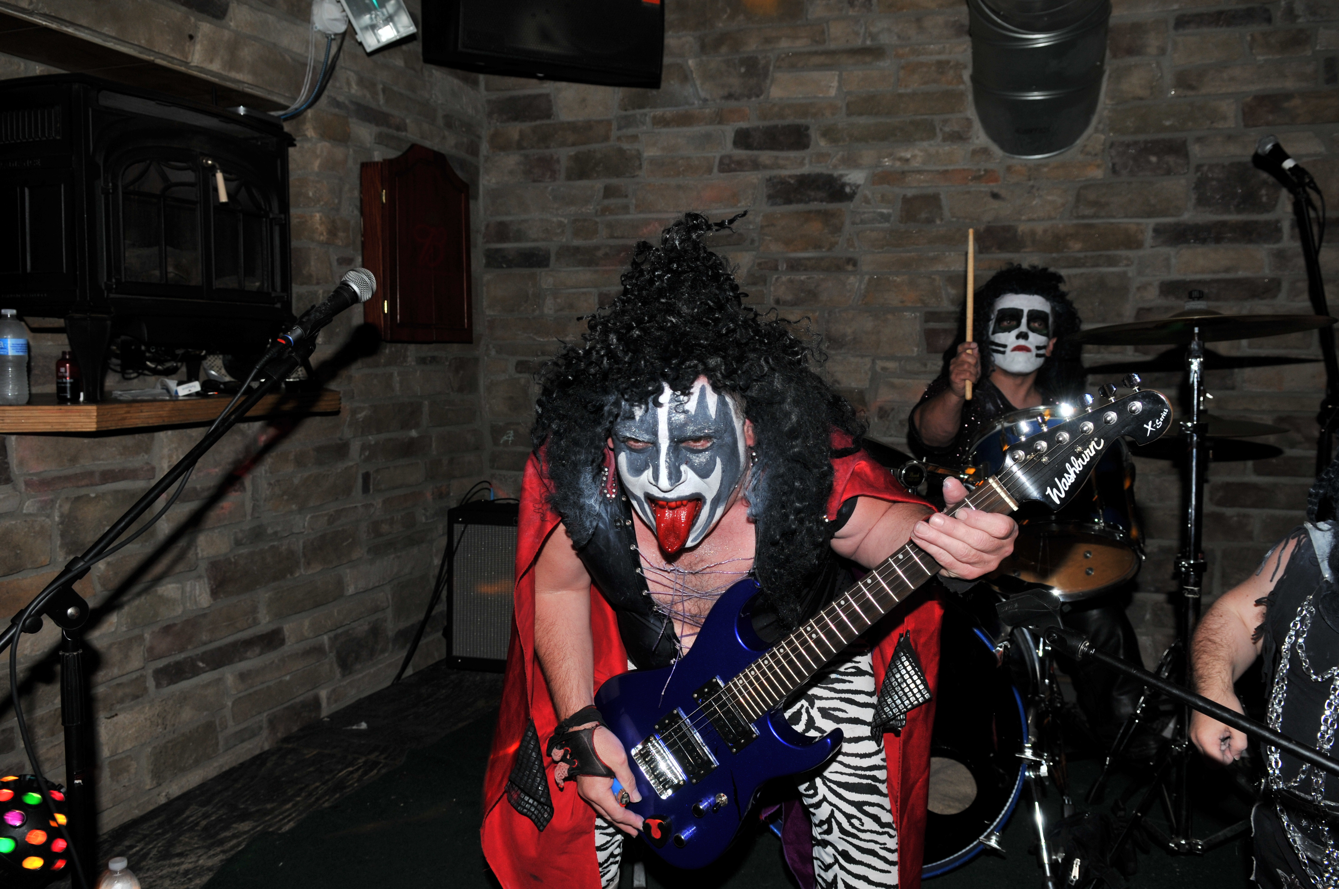 Contact US >> PICS&VIDEOS | MINI KISSBook or Hire Mini Kiss Band | The ultimate Kiss tribute band HIRE ...